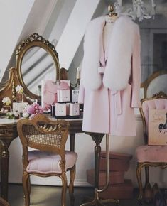 57 Ideas Makeup Vanity Ideas Girly Closet For 2019 Doll Style, Style Lolita, Foto Top, Princess Aesthetic, Fancy, Everything Pink, Mode Vintage, Beauty Room, Luxury Life