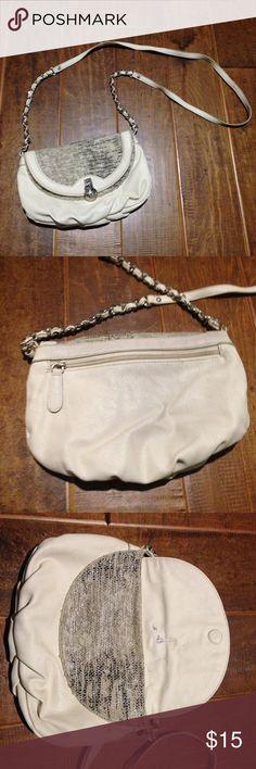 J. Lo Nude Purse 🎀 Snakeskin detail, magnet flap cluster, pen stains on inside flap as pictured 🎀 Jennifer Lopez Bags Crossbody Bags