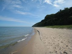 In-town Leland Walk to Lake Michigan/On Wine Trail - Houses for Rent in Leland, Michigan, United States Lake Michigan Beaches, 1st Night, Renting A House, Hiking, United States, Leland Michigan, Park, Water, Wineries