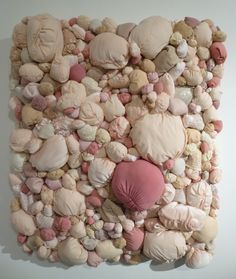 Photos By Gail, Taken at Porter Contemporary Gallery in Brooklyn Artist Statement: Mocomoco (もこもこ) is a Japanese word that refers to a soft or puffy surface and the comforting feelings that one mi… Textile Fiber Art, Textile Artists, Contemporary Sculpture, Contemporary Art, Design Textile, Soft Sculpture, Sculpture Ideas, Comme Des Garcons, Fabric Manipulation