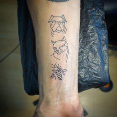 Geometrische Tiere in reiner Linienarbeit Tattoo Studio, Tattoos, Dyes, Geometric Animal, Tatuajes, Japanese Tattoos, Tattoo, Tattoo Illustration, A Tattoo