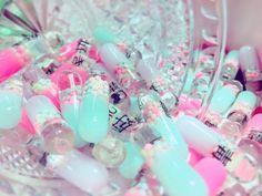 pastel colours guro drugs pills