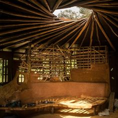 [ENG] Reciprocal fram roof in octagonal house - Aldeia community Bahia…