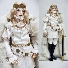 """1,855 mentions J'aime, 19 commentaires - Amadiz Studio Co. Ltd. (@amadiz_studio) sur Instagram: """"White king - renaissance outfit by us (old work) #amadiz #amadizstudio #handmade #bjdwig #bjd…"""""""