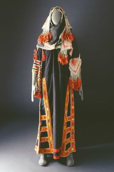 Traditional costume of the Bani Saad Tribe of Saudi Arabia