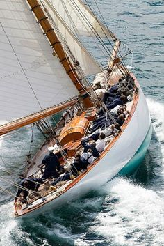 Food and Recipes. On a beautiful classic sailing boat. Life at 33 Degrees. Classic Sailing, Classic Yachts, Bateau Yacht, Cruise Italy, Sailing Holidays, Cruise Holidays, Wood Boats, Boat Stuff, Yacht Boat
