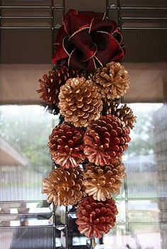 DIY180: Merry Christmas & Pine Cone Swag