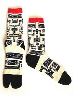 一番の日本人!【Ainu Tribe: Japanese Race】AINU PATTERN SOX SASQUATCHfabrix. Ethnic Fashion, Fashion Art, Mens Fashion, Ainu People, Tatoo Designs, Native Design, Minimalist Shoes, Warm Socks, Patterned Socks