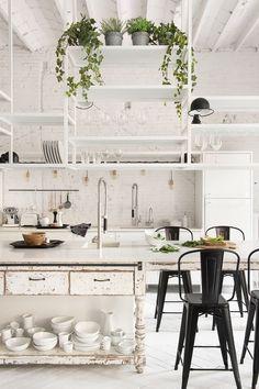 Cozy Loft Kitchen, Kitchen Interior, Kitchen Decor, Kitchen Island, Loft Industrial, Rustic Industrial Decor, White Industrial, Industrial Farmhouse, Industrial Furniture