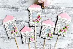 Топперы в тортик, наверное для принцессы 🤔)))