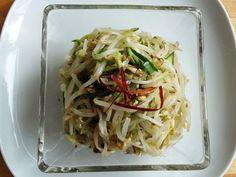 Mung bean sprout and cucumber side dish (Sukju-oi-namul) recipe - Maangchi.com