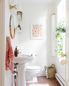How to Spruce Up a Rental Bathroom for Less Than $200 | The Everygirl