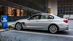 Все модели BMW будут электрифицированы к 2020 году https://www.drive.ru/news/bmw/584e6b09ec05c4ca2f00001f.html Генеральный директор BMW Харальд Крюгер в интервью изданию Car and Driver заявил, что в ближайшие три-четыре года электрификация затронет практически весь модельный ряд фирмы. Это значит, что к гибридным «трёшке», «пятёрке», «семёрке» с «икс-пятым», компактвэну «второй серии», добавятся двоякодвижимые легковушки второй, четвёртой и шестой серий. Кроссоверы, всё ещё не получившие…