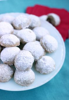 Almond Snowball Cookies - Hello Yellow Blog #LeonsHelloHoliday Snowball Cookies, Dessert Recipes, Desserts, Cake Pops, Fudge, Baked Goods, Cravings, Almond, Sweet Tooth