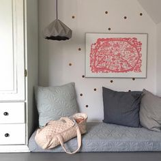 This lucky little 11 year olds has the best reading nook! ♡ @camcam_cph quilt, dolls carrier & cushion available at Talo. You can snap one up in our BOXING DAY SALE! See previous post for details. Image via @camcam_cph x #camcamcph #camcam #kidsroom #dollscot #dollsbed #kidsquilts #kidsquilt #daybed #readingnook #cushion #nursey #girlsdecor #girlsroom #talointeriors