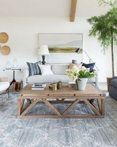 Adorable farmhouse coffee table design ideas Diy Published December 26 2018 At 1200 1504 In 33 Adorable Farmhouse Bench Decor Ideas Serdalgur Living Room Interior Design 33 Adorable Farmhouse Bench Decor Ideas And Design 2 Living Room Designs, Living Room Decor, Bench Decor, Lounge Decor, Style Deco, Piece A Vivre, Living Room Inspiration, Color Inspiration, Minimalist Home