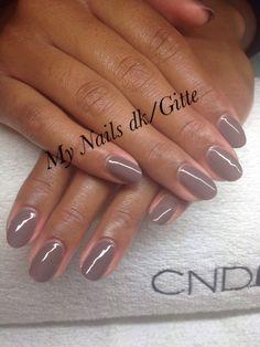 Love CND Shellac ❤️ Rubble ❤️ love he Nails. Cnd Shellac på natur negle. Bare så smukke.