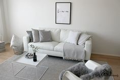 La Dolce Vita/ Grey and white living room