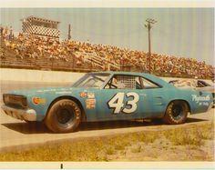 richard petty 1970 Road Runner. Ran 1970 and 1971