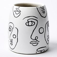 Exciting pottery inspiration - check out our articles for lots more schemes! Painted Plant Pots, Painted Flower Pots, Pottery Painting Designs, Paint Designs, Pottery Designs, Ceramic Painting, Ceramic Art, Metal Design, Fleurs Diy
