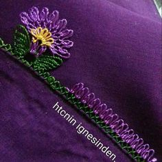 This Pin was discovered by Sif Best T Shirt Designs, Crochet Borders, Needle Lace, Crochet Trim, Baby Knitting Patterns, Tatting, Needlework, Diy And Crafts, Hair Accessories