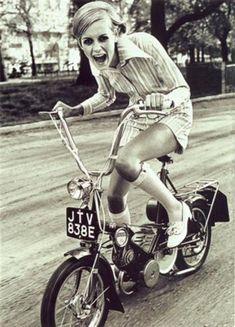 stilista inglese Mary Quant...