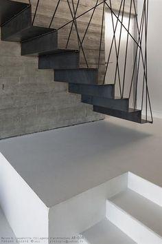 Voor uw eigen idee over een stalen trap kunt u contact op nemen met Goor Metaal, het bedrijf achter stalendeuropmaat.nl