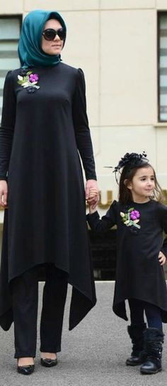 Mommy and me Islamic Fashion, Muslim Fashion, Modest Fashion, Fashion Outfits, Mommy And Me Outfits, Kids Outfits, Mom Daughter Matching Dresses, Mother Daughter Fashion, Hijab Style