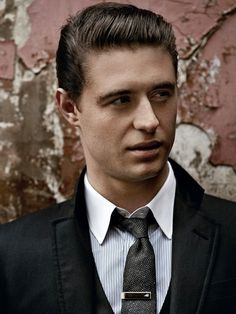 Max Irons as Maxon from the Selection oh please make it happen
