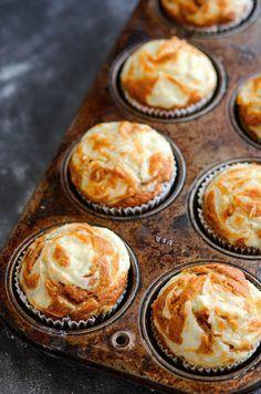 Pumpkin Cream Cheese Swirl Muffins by bakerbynature #Muffins #Pumpkin #Cream_Cheese Yummy Recipes, Fall Recipes, Holiday Recipes, Dessert Recipes, Cheesecake Recipes, Fall Desserts, Just Desserts, Delicious Desserts, Gastronomia