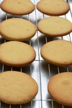 "These are easy to make and so nice and snappy to the bite. Its a Donna Hay recipe from ""Modern Classics 2""  recipe:  185gms butter 1 cup caster sugar 1 ½ tsp vanilla extract 2 ½ cups flour 1 egg 1 ..."