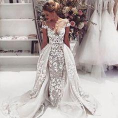 Sexy Mermaid/Trumpet Scoop Court Train Cap Sleeves Lace Wedding Dress