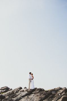 Tying the knot on the gorgeous shoreline of Mexico always sounds like a good idea in my book. And from the looks of these gorgeous images snapped up by Paige Jones, it looks like a fabulous idea too. The easy yet