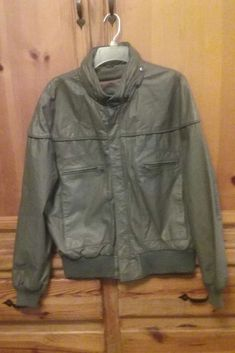 4406d0dc4878 Very nice condition leather jacket. Missing the lining. The collar has a  nylon lining rolled and zipped into it. Has a knit band around the bottom  and the ...