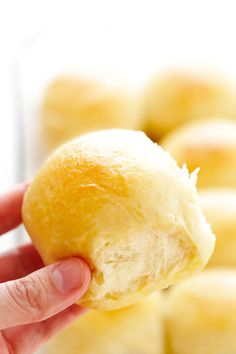 My favorite 1-Hour Soft and Buttery Dinner Rolls recipe is easy to make by hand or with a stand mixer, perfectly soft and fluffy, and so buttery and delicious! Options to make them with garlic, herbs, or extra-cheesy included too! | gimmesomeoven.com #dinner #rolls #buns #side #thanksgiving #christmas #bread #holidays #bake Bread Bun, Bread Rolls, Bread Machine Rolls, Bread Toast, Buttery Rolls, Bread Recipes, Cooking Recipes, Amish Recipes, Dinner Rolls Recipe