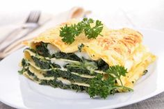 Spinach and Cheese Lasagna Spinach Recipes, Diet Recipes, Vegetarian Recipes, Healthy Recipes, Cheese Lasagna, Spinach Lasagna, Lasagna Pan, Healthy Vegan Snacks, Healthy Eating