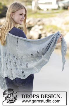 "Soft Hug - Knitted DROPS shawl with lace pattern in ""BabyAlpaca Silk"". - Free pattern by DROPS Design"