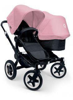 Kinderwagen für Zwillinge und Geschwister: Bugaboo Donkey Twin Zwillingskinderwagen Set Schwarz / soft pink. Mehr Infos auf https://www.kleinefabriek.com/.