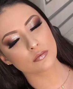 39 amazing party makeup looks to try this holiday season 00018 Bride Makeup, Glam Makeup, Hair Makeup, Eyeshadow Makeup, Teen Makeup, Fall Wedding Makeup, Wedding Hair And Makeup, Makeup Goals, Makeup Tips