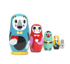 Matrioskas Animais Conjunto de 5 bonecos em madeira pintados à mão.
