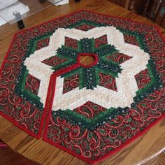 Christmas Tree Skirt by Amy Smith Creations