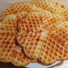 Βάφλες με φέτα Waffles, Breakfast, Food, Morning Coffee, Waffle, Meals, Yemek, Eten