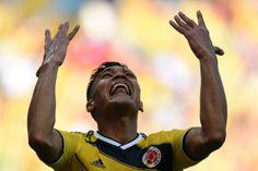 Teofilo Gutierrez festeja la anotación que sentenció el juego al minuto 58.