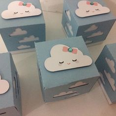 #mimoschuvadeamor #festachuvadeamor Baby Shower Themes, Baby Boy Shower, Diy Bag Gift, Cloud Party, Diy Hot Air Balloons, Diy And Crafts, Paper Crafts, Baby Frame, Baby Shawer