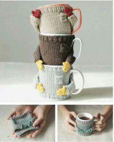 Petit manteau pour tasse au chaud... Très rigolo comme idée cadeau pour les copines