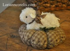 """Welcome to Wild Hare Wednesday! I have been wanting to design some pieces that have the """"essence"""" of those toys of olde. I hope thi. Yarn Crafts, Fabric Crafts, Sewing Crafts, Sewing Projects, Felt Projects, Sewing Tips, Sewing Ideas, Stitch Book, Wool Applique"""