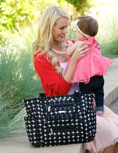 Hello Lovely! The JJ Cole Caprice diaper bag in Silver Drop. #jjcole #caprice #diaperbag
