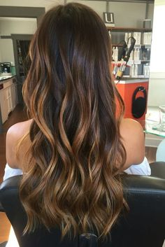 Balayage is suitable for light and dark hair, almost all lengths except very short haircuts. Today I want to show you the most popular Brunette Balayage Hair Color Ideas. Balayage has become the biggest trend in recent seasons, and it's not over yet. Ombre Hair Color, Hair Color Balayage, Bayalage, Balayage Hairstyle, Cabelo Ombre Hair, Baliage Hair, Hair Painting, Gorgeous Hair, Beautiful