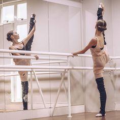 Via  @andressagarcia_oficial Fala Galera da Arte!!!Mais uma foto do ensaio com a Carol @lancelloti do canal @meiaponta, pelo sorteio da @ma_ballet!! Esse post é especial pq muitas novidades estão vindo por aí ... E uma delas que eu quero comemorar, é o carinho e a parceria com a @petipaoficial que está lançando uma coleção nova que está muito Fashion!!! Aguardem... #petipa #ballethouse #dancersamongus#balletdancer#ballerina#thesedancersfeature#dancersoninsta_feature#balletbe..