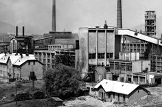 July 1963 - construction of a new hall for the new paper machine for the production of graphic papers in pulp and paper combine in Ruzomberok. Paper Machine, Paper News, Street View, Construction, Retro, Pictures, Fotografia, Building, Retro Illustration